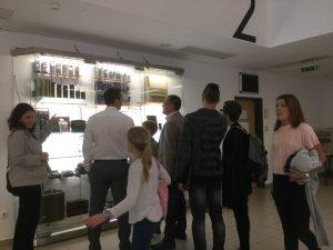 Látogatók az IT Evolúció kiállításon